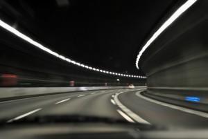 高速トンネル